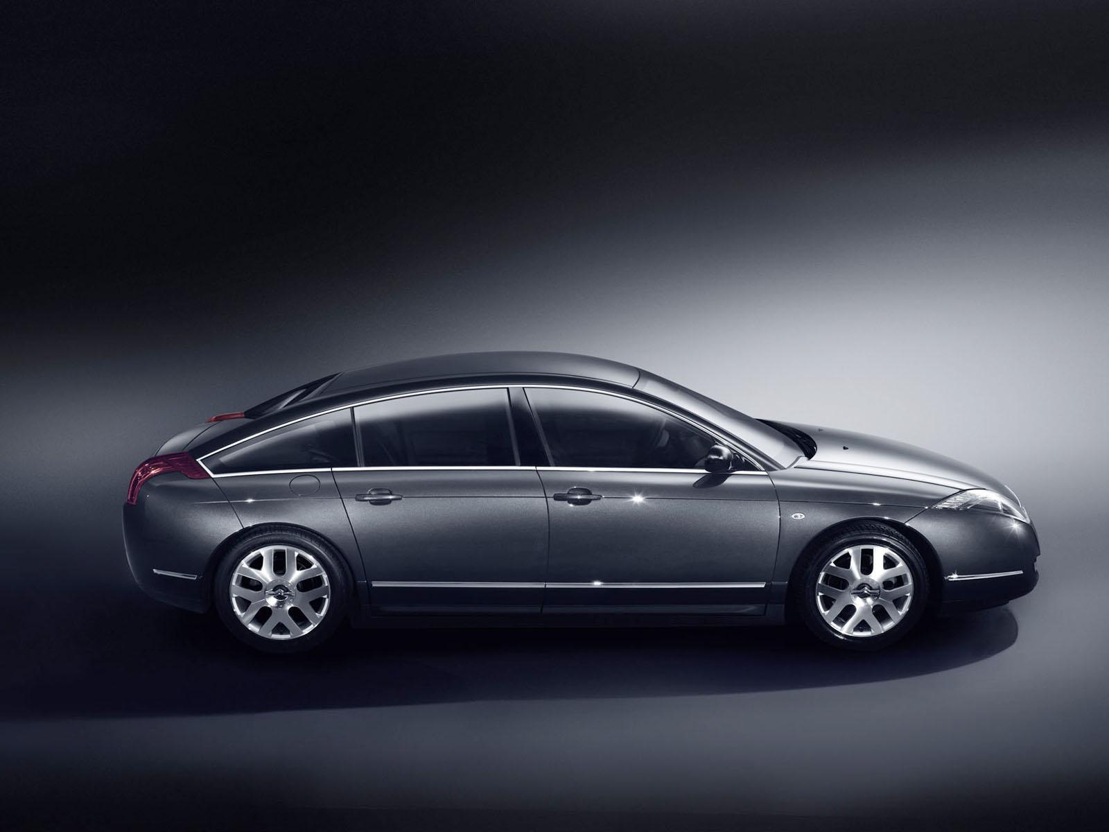 C6 V6 HDI exclusive του 2005, προφίλ